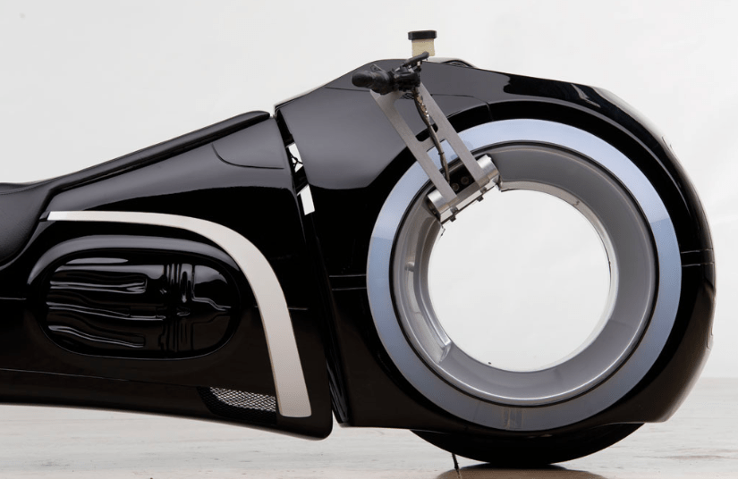 TRON-Light-Cycle-Daniel-Simon-SolidSmack-00008