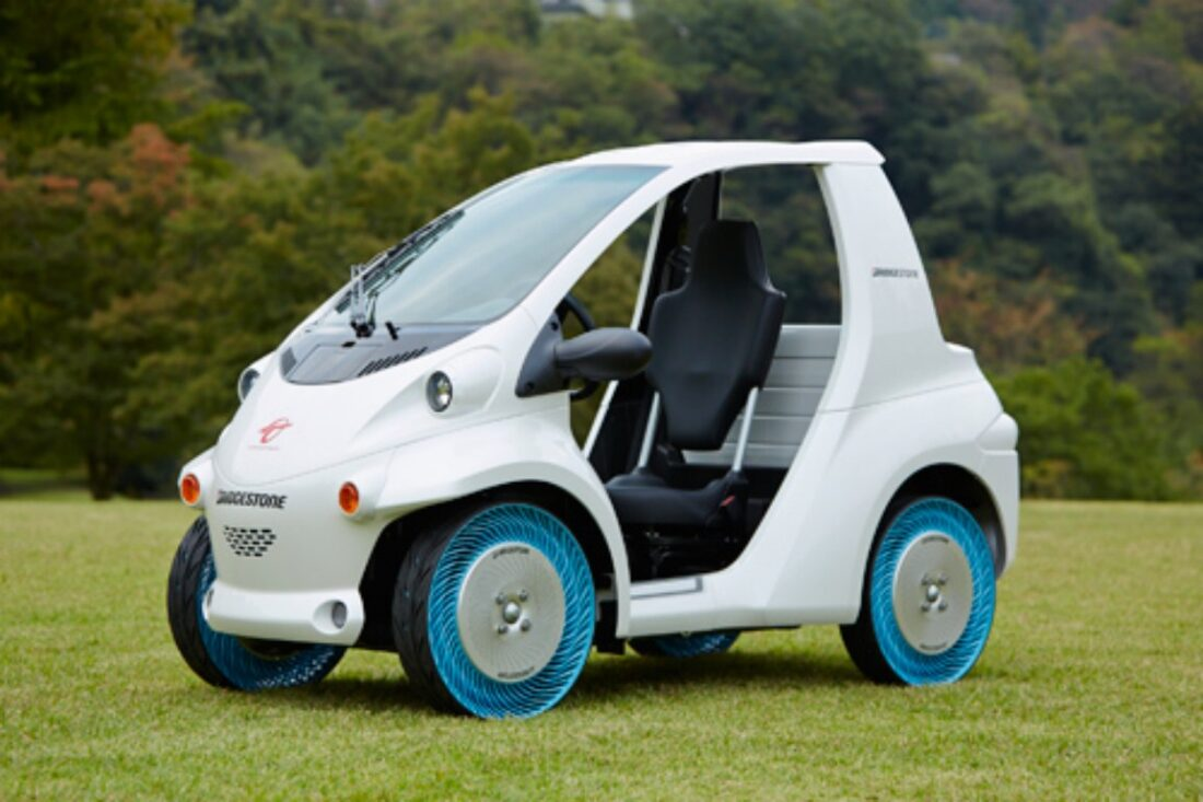 Bridgestone's Air-Free Concept tires can be bolted to vehicles as well. (Image credit Bridgestone)