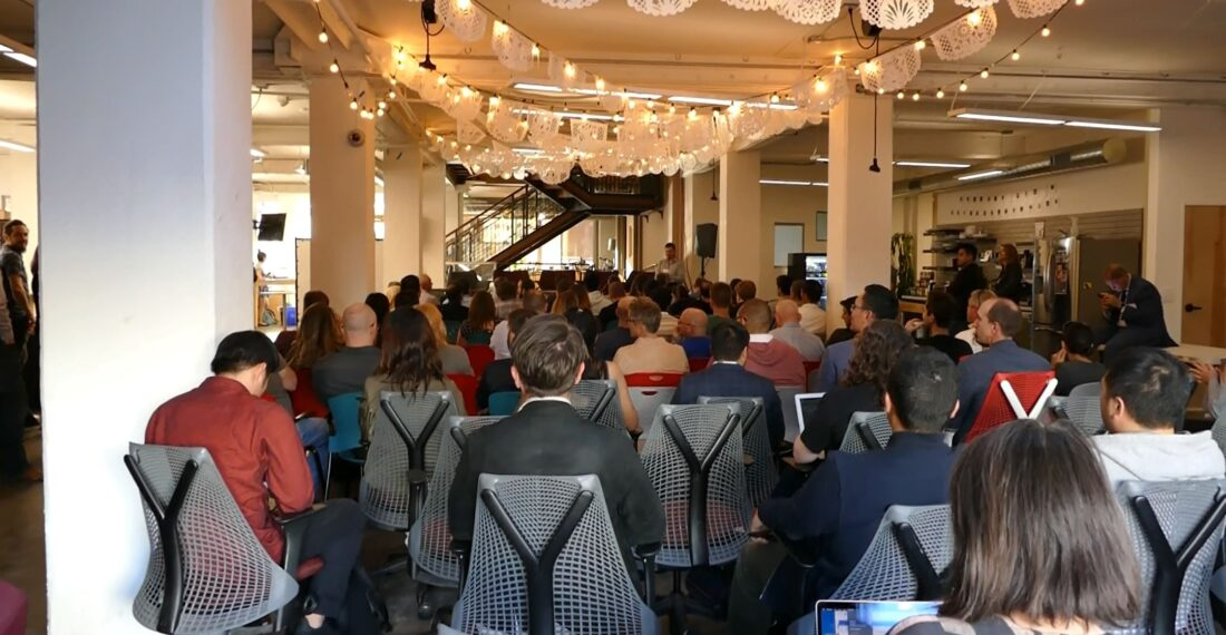 Look at all these other HW startup nerds at the 1st Hardware Summit. These are your people.